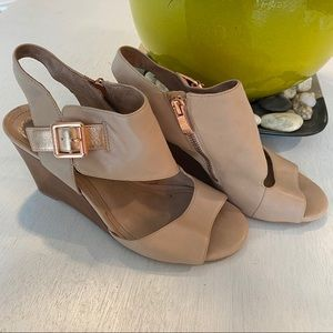 Vince Camuto Pink Rose Gold Hannah Wedge Sandals